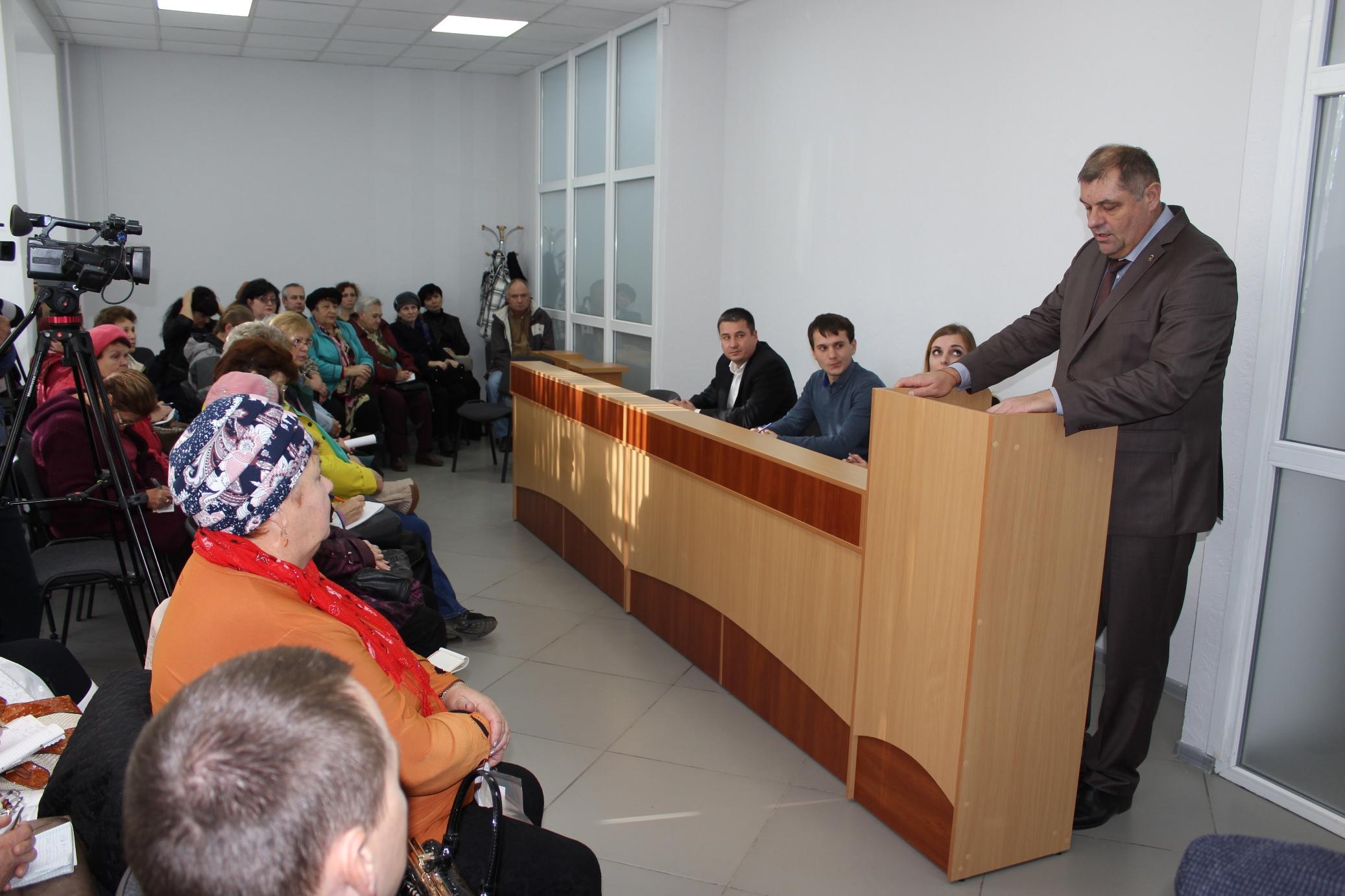 Специалисты ЕИРЦ и Фонда капитального ремонта ответили на вопросы сакчан